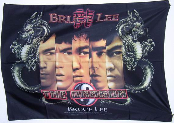 Bild von Poster: Bruce Lee - The Dragon-Fahne Poster: Bruce Lee - The Dragon-Nationalflagge, Flaggen und Fahnen kaufen, im Shop bestellen